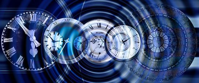 Часы, циферблаты на воде